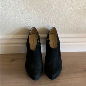 Alexandre Birman black heeled suede bootie